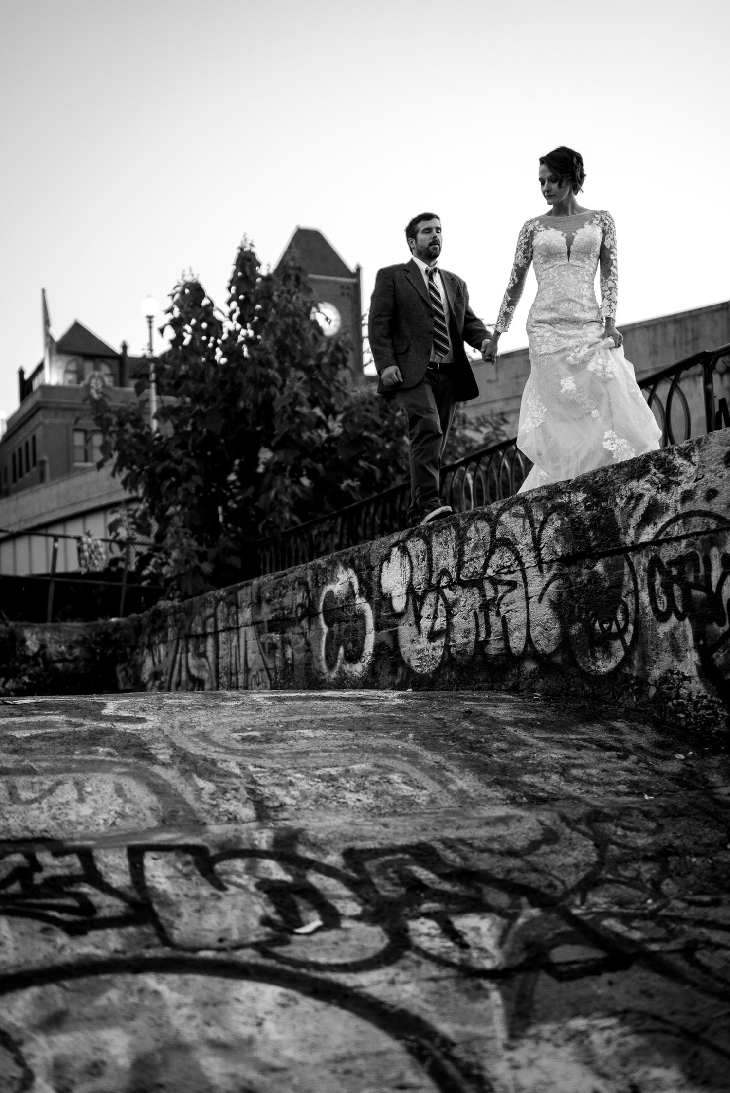 bride and groom in Georgetown Canals